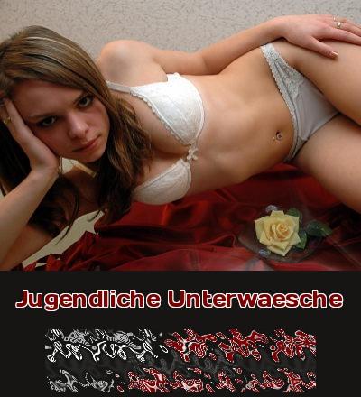 Eine sehr junge Frau in jugendlicher Unterwäsche rundet die Optik sexy ab