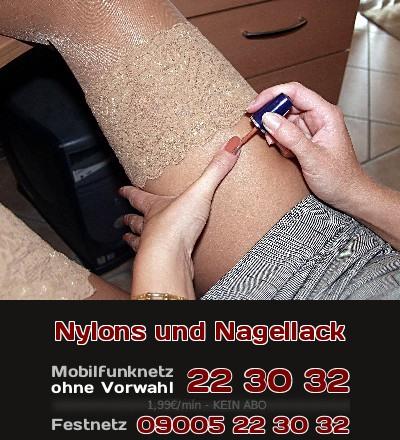Nagellack und ein Strumpf aus Nylon gehören in Sex-Fantasien zusammen