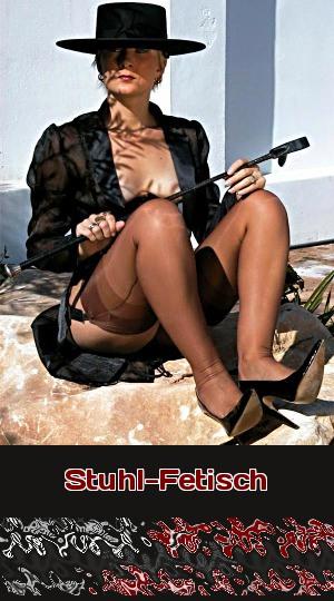 Wie beschämend für einen Möbelfetischisten, dass Deine Herrin auf dem Boden sitzen muss! Biete Dich ihr beim Telefonsex als Stuhl an!