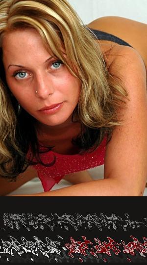 Eine hübsche blonde Frau mit blauen Augen kann Dich beim Flirt richtig um den Finger wickeln. Lasse Dich von ihr verführen!